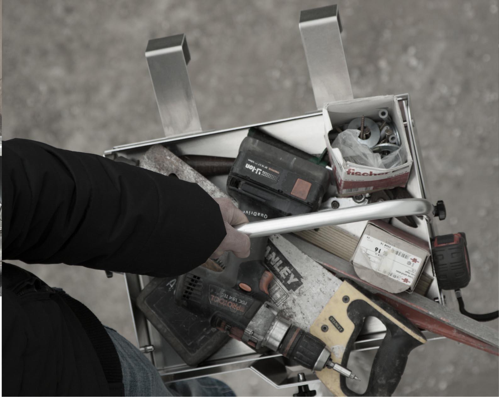 Caisse à outils couvreur solide et facile à transporter