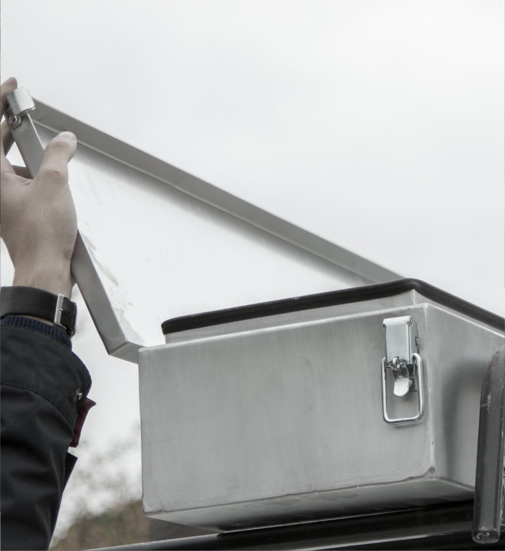 Coffre de toit solide et étanche pour rangement rapide profilé zinc